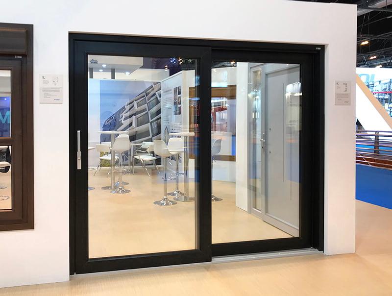 , Ventana elevadora de PVC. Ventajas, inconvenientes e innovación eficiente